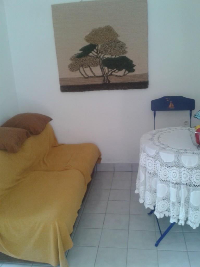 Wohnzimmer Mit Kochnische Unteres Apartment