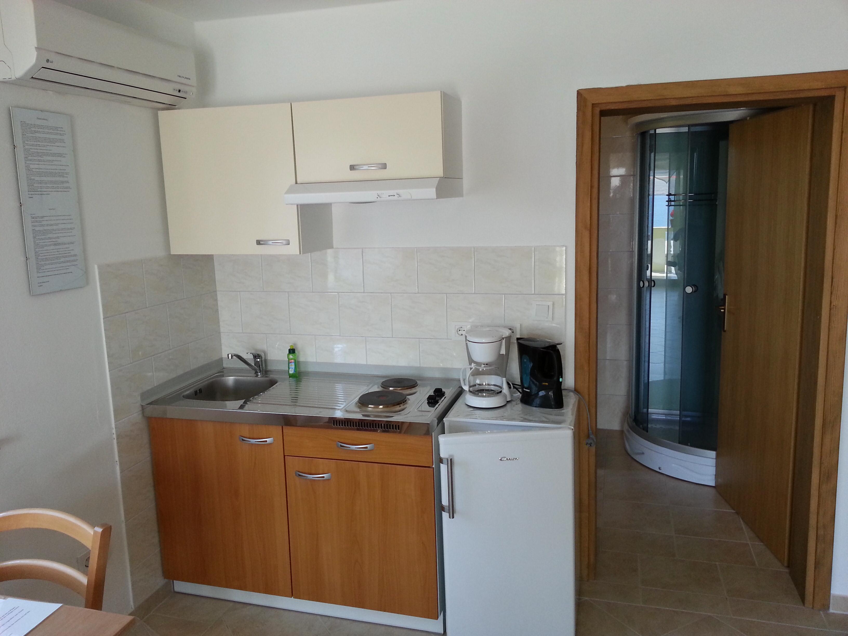 Ansicht der Kochnische für das Apartment unten rechts